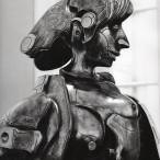 Biografia inquieta di un personaggio femminile, bronzo,1976, (particolare)