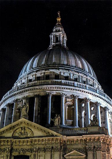 Angleterre. Londres. Cathédrale de Saint-Paul recons-truite (1675)